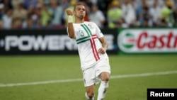 Pemain Portugal, Pepe, merayakan gol dalam pertandingan melawan Spanyol dalam semifinal Piala Euro 2012. (Foto: Dok)