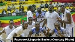 Equipe nationale ya basketball na RDC nsima na elonga na bango liboso ya Angola na AfroCan, na Bamako, Mali, 25 juillet 2019. (Facebook/Léopards Basket)