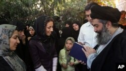 Prominent dissident Shia cleric Ayatollah Hossein Kazemeini Boroujerdi is in prison in Iran.
