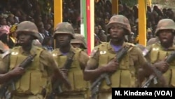 Des militaires de l'armée camerounaise à Yaoundé, 20 mai 2018.