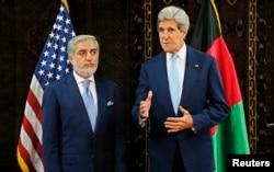 Ngoại trưởng Kerry và ứng viên tổng thống Abdullah Abdullah