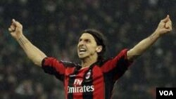 Zlatan Ibrahimovic dihukum tidak boleh bermain dalam tiga pertandingan oleh Serie A setelah meninju perut pemain AC Bari Marco Rossi, Minggu (13/3).