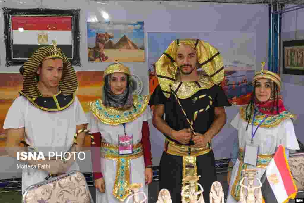 دهمین جشنواره فرهنگ ملل در تفرجگاه ائلگولی تبریز عکس: مرتضی فتحی