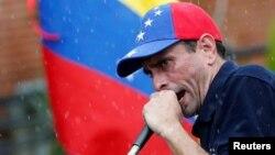 El excandidato presidencial venezolano Henrique Capriles dice que según sondeo el 71,8% de los venezolanos están dispuestos a participar en revocatorio.