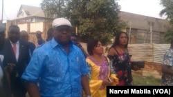 Félix Tshisekedi, leader du Rassemblement, empêché de tenir un meeting à Lubumbashi, 24 octobre 2017. (VOA/Narval Mabila)