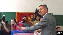 Premijer Crne Gore, Milo Djukanović glasao na lokalnim izborima