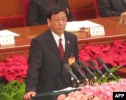 最高人民检察院院长曹建明做工作报告