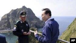 Kunjungan Presiden Korea Selatan Lee Myung-bak ke pulau Dokdo atau Takeshima memicu kemarahan Jepang (foto: dok). Hubungan kedua negara kembali mencair setelah uji coba nuklir Korut.