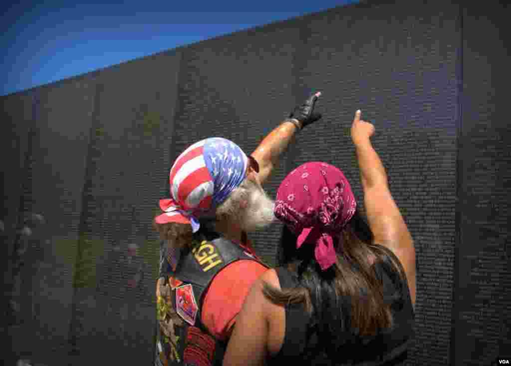 Вьетнамская стена с именами погибших – Национальный мемориал, посвященный американским военнослужащим, погибшим или пропавшим без вести в ходе войны во Вьетнаме