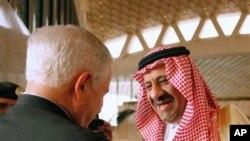 沙特助理国防大臣迎接盖茨
