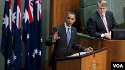 """Obama dijo ante el Parlamento de Australia que Estados Unidos """"está girando su atención hacia al vasto potencial de la región Asia-Pacífico""""."""