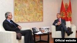 Predsjednik Vlade Milo Đukanović sa generalnim direktorom Generalnog direktorata za politiku susjedstva i pregovore o proširenju u Evropskoj komisiji Kristijanom Danijelsonom. (foto: Biro za odnose s javnošću)