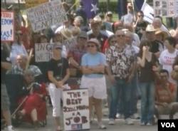 要求脱离联邦的民众集会(美国之音视频截图)