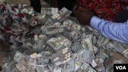Wasu daga cikin kudaden da aka yi ta bankadowa a gwamnatin Buhari