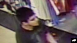 伯灵顿市当地执法单位公布华盛顿州伯灵顿市枪杀案犯罪嫌疑人图像视频截屏 (2016年9月23日)