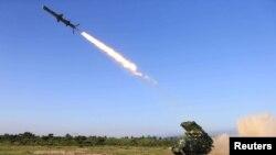 북한이 지난 2017년 5월 순항미사일을 시험발사했다며 공개한 사진.