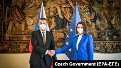 Лидер белорусской оппозиции Светлана Тихановская на встрече с премьер-министром Чехии Андреем Бабишем. 8 июня 2021