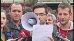Protestohet kundër dhunës ndaj gazetarëve