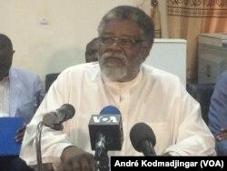 Mahamat Tahir Kherellah, président de la commission formation et communication du CNPT, à N'Djamena, le 5 février 2018. (VOA/André Kodmadjingar)