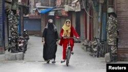 جموں و کشمیر کی خصوصی حیثیت کے خاتمے پر بین الاقوامی سطح پر بھی نئی دہلی کواس اقدام کا دفاع کرنے میں مشکل پیش آ رہی ہے۔ (فائل فوٹو)