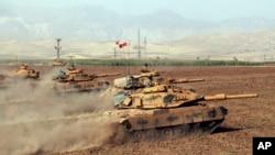 지난 9월 터키 정부군이 이라크 국경 지역에서 군사 훈련을 실시하고 있다. (자료사진)