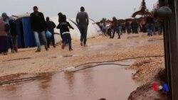 Penaberên Efrînî li Kampan di Bin Şertên Dijwar de Dijîn