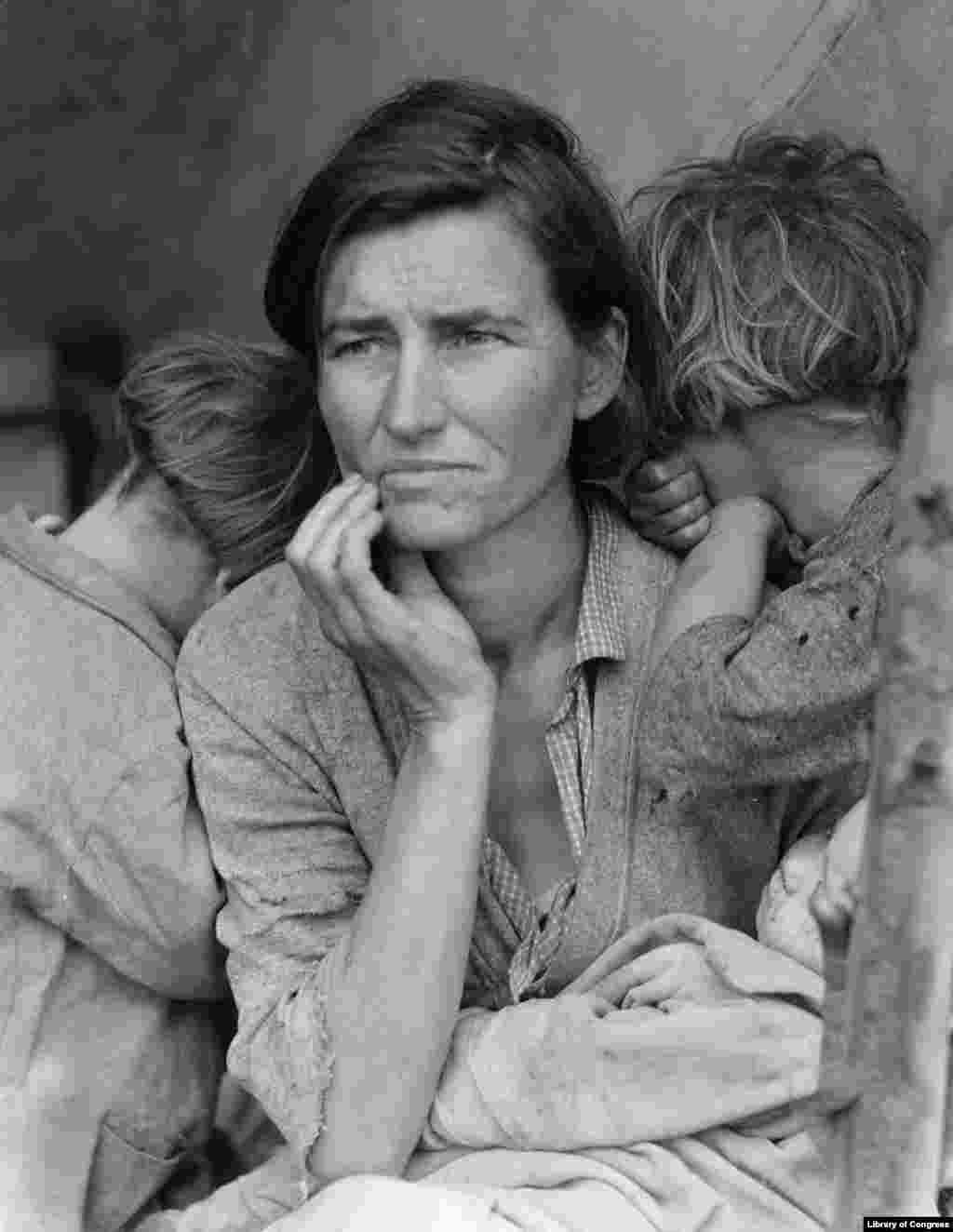 """Migrant Mother"" by Dorothea Lange, Nipomo, San Luis Obispo County, California, 1936 (Photo credit: Prints & Photographs Division, Library of Congress)"