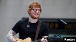 Ed Sheeran tampil di acara NBC 'Today' di New York, 16 Juni 2017