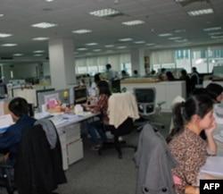 徐少游在上海的建筑设计公司有三分之一员工是台籍