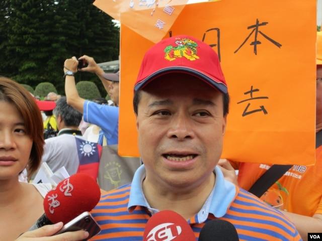 亲民党副秘书长刘文雄 (美国之音记者 张永泰拍摄)