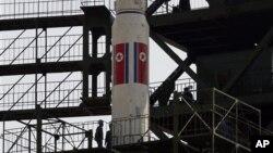 지난 4월 발사를 시도했으나 실패한 북한의 장거리 로켓 '은하3호'. (자료사진)