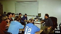 Para murid di sebuah kelas khusus laki-laki di SMA Boonsboro di Maryland.