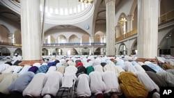 Aïd el-Fitr à la mosquée centrale d'Abuja, au Nigéria (30 août 2011)