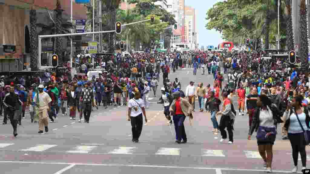 Maandamano ya amani kupinga chuki dhidi ya wageni wa nchi za kiafrika yanafanyika mjini Durban April 16, 2015.