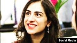 خانم امیری سال گذشته برای دیدن خانواده به ایران رفت اما بعد بازداشت شد.