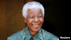 南非前总统曼德拉(资料照片)