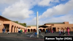 Recess at Salt Creek Elementary School, Chula Vista, California (R. Taylor/VOA)