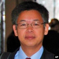 北京大学国家经济发展研究院高级研究员黄益平