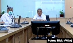 Direktur Jenderal Pengendalian Pencemaran dan Kerusakan Lingkungan, KLHK, Karliansyah, memberikan keterangan mengenai Indeks Kualitas Lingkungan. (Foto: VOA/Petrus Riski)