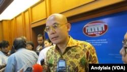 Juru bicara Kementerian Luar Negeri Republik Indonesia Armanatha Nasir di kantor Kemenlu Jakarta, 1 September 2016. (Foto: VOA/Andylala)