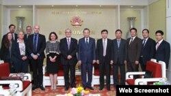 Ông Marc Ablong, Thứ trưởng Bộ Nội vụ Australia gặp Bộ trưởng Công an Việt Nam Tô Lâm, 2/12/2019 tại Hà Nội. Photo CAND.