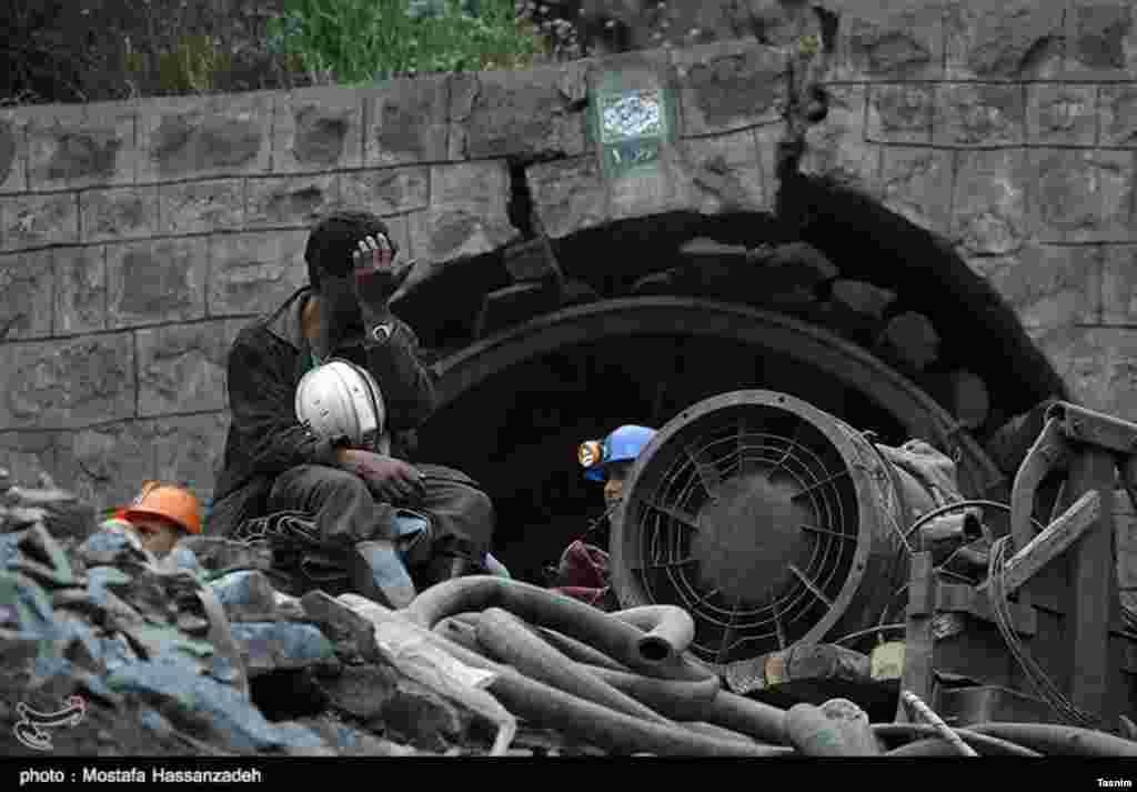 سومین روز امداد رسانی حادثه معدن زمستان یورت- گلستان عکس: مصطفی حسن زاده