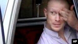 Bowe Bergdahl, yang dirawat di sebuah rumah sakit militer di Jerman, akan tiba di AS hari Jumat (13/6).