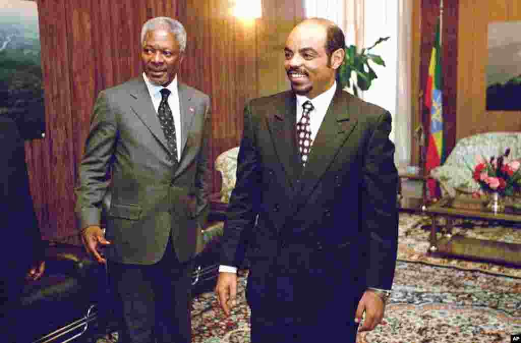 UN Secretary General Kofi Annan with Meles before their meeting in the office of the prime minister in Addis Ababa, Ethiopia, April 30, 1998.