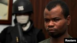 Pengadilan Nigeria hari Jumat (20/12) memvonis Kabiru Sokoto (kanan) dengan hukuman penjara seumur hidup (foto: dok).