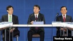 9일 국방안보포럼 간담회에서 모두발언을 하는 무소속 안철수 대선후보(가운데). (자료사진)