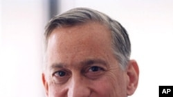 Walter Isaacson (file photo)