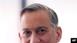 Walter Isaacson (file photo)
