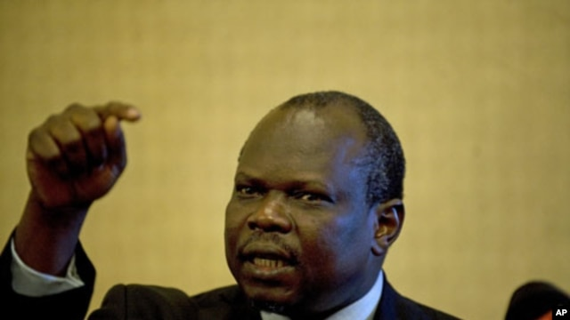 South Sudan's chief negotiator Pagan Amum gives a press conference after Sudanese President Omar al-Bashir and his South Sudan counterpart Salva Kiir failed to resolve a dispute over oil after negotiations in the Ethiopian capital, Addis Ababa, January 27