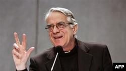 Phát ngôn nhân của Tòa Thánh, Linh Mục Federico Lombardi